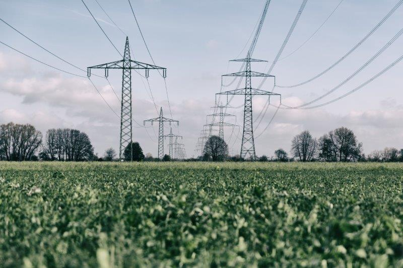 Achieving an efficient and robust AC/DC transmission system requires to develop a vision of HVDC role and functionalities in different situations